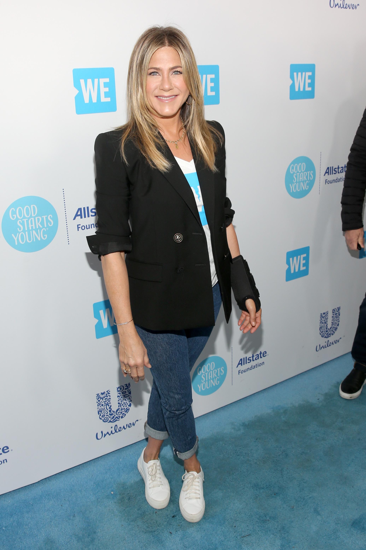 Jennifer Aniston, looks