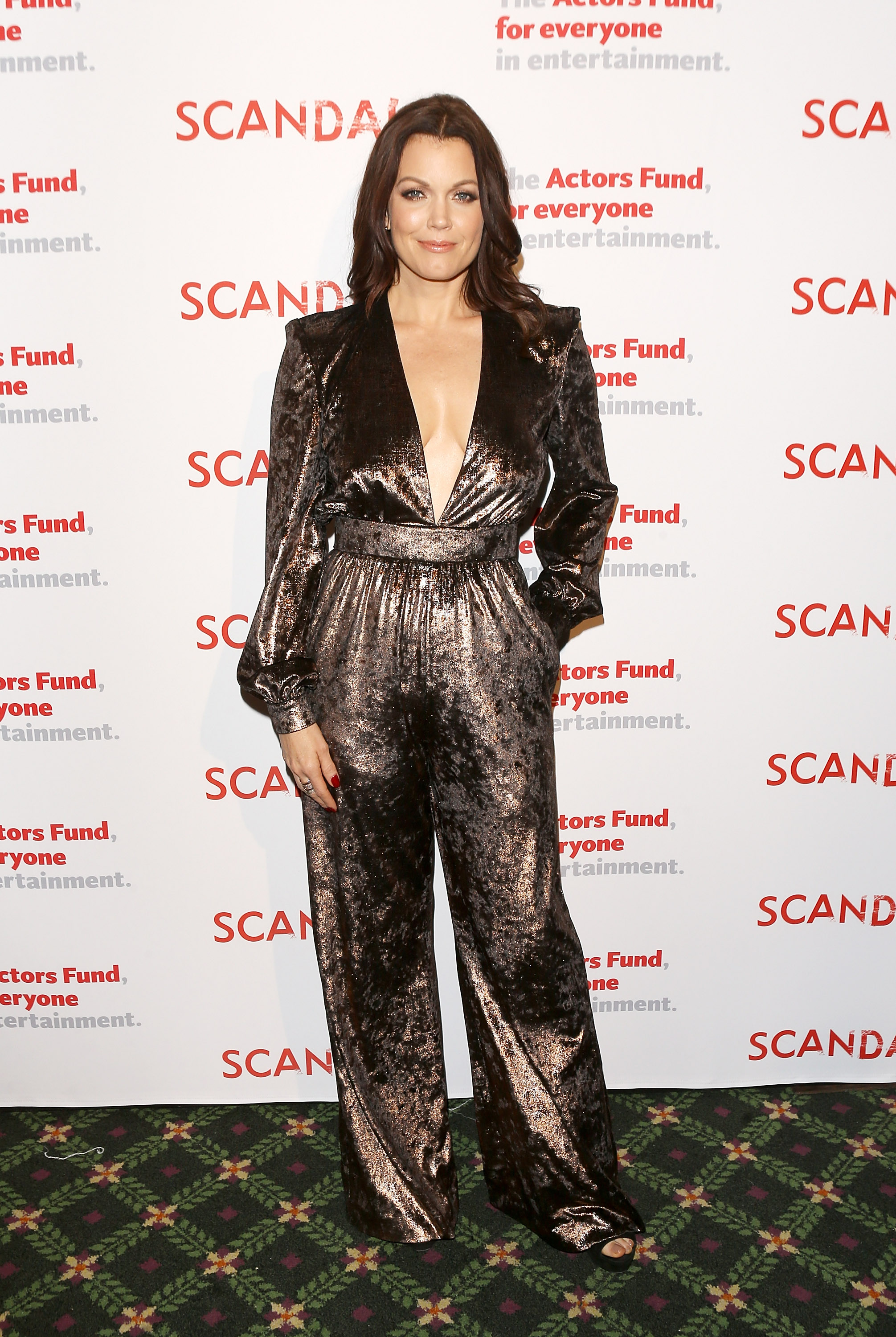 Bellamy Young, looks