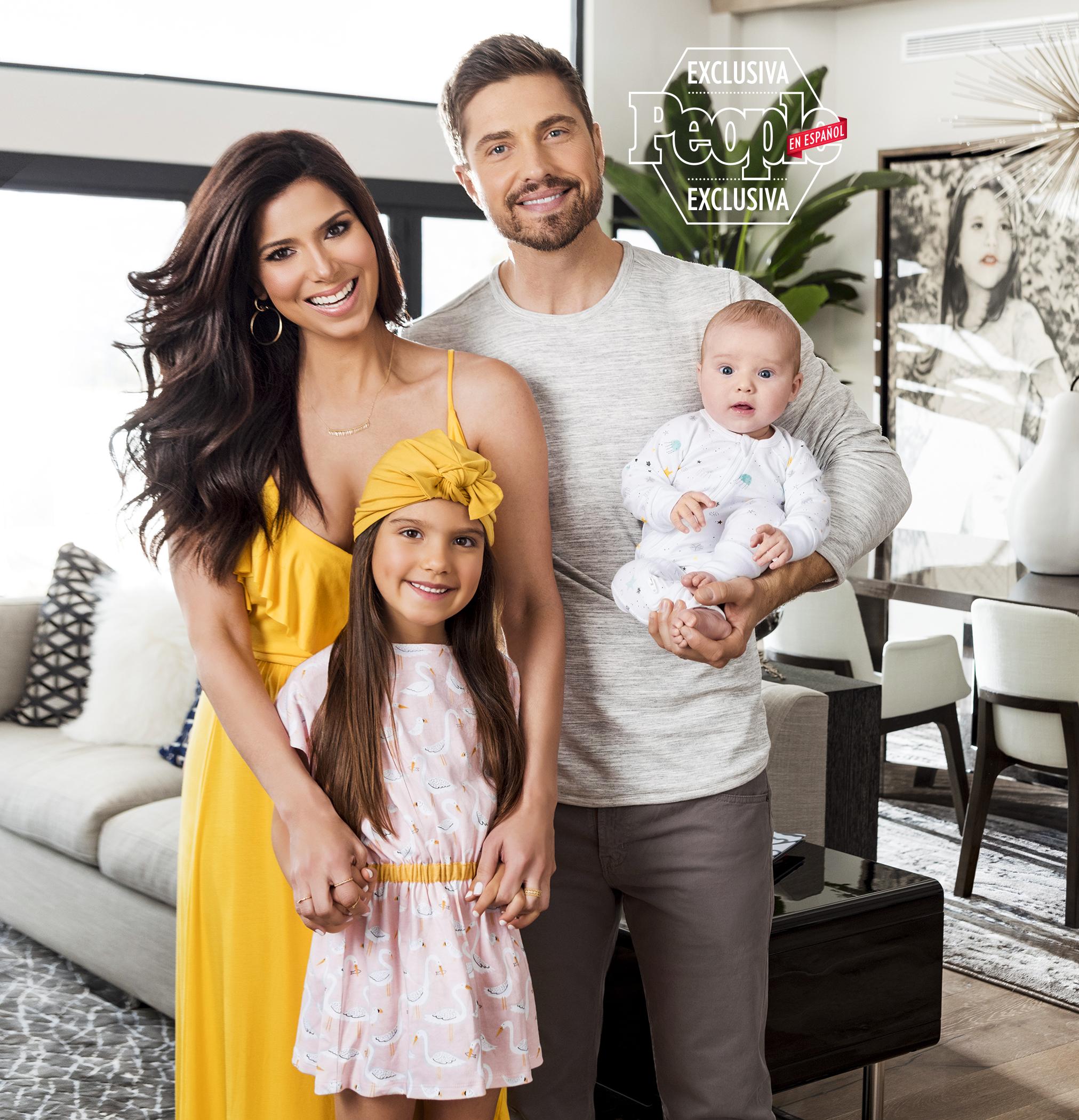 Roselyn Sanchez y familia
