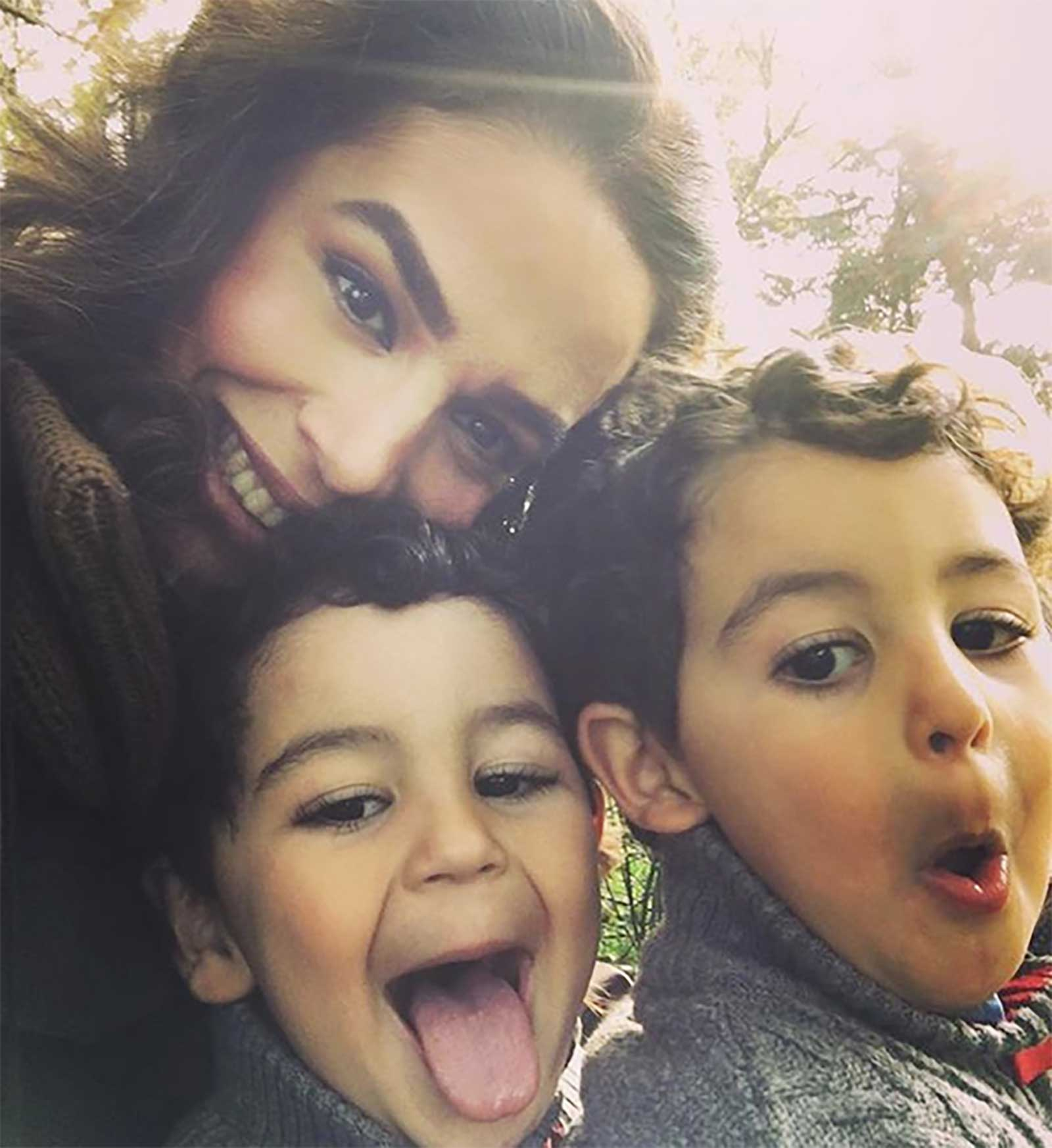 Bibi Gaytán, Eduardo Capetillo, hijos
