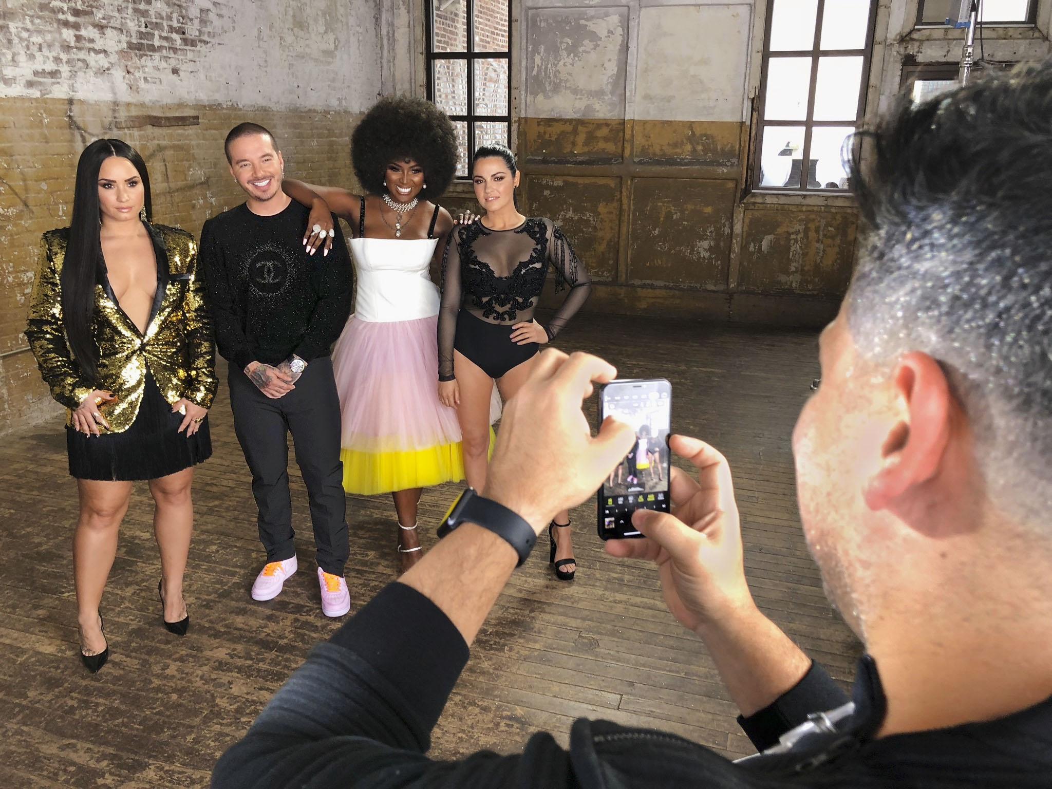 Bellos Cover 2018 - BTS Demi Lovato, J Balvin, Amara La Negra y Maite Perroni