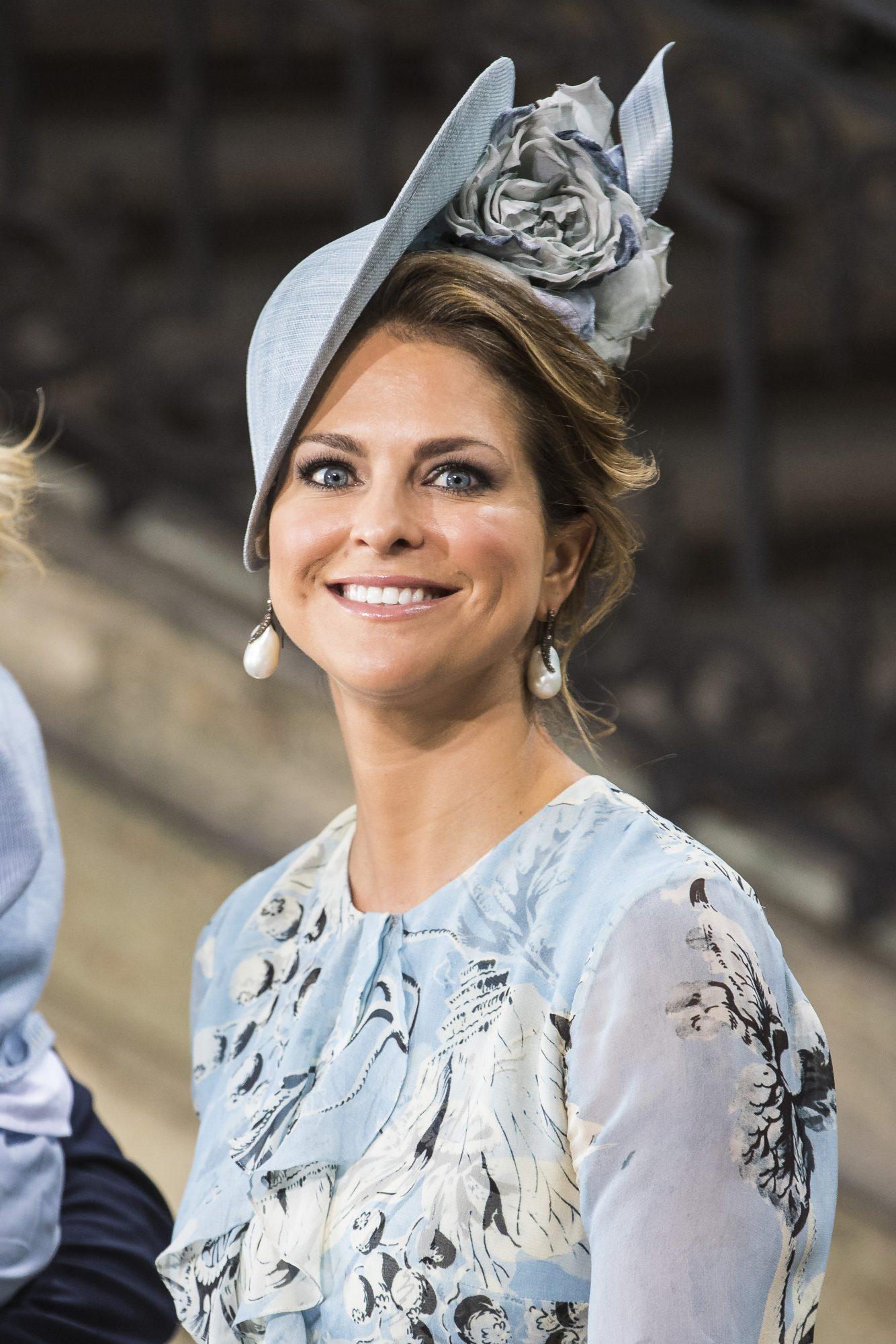 Princesa Madeleine de suecia, fascinator, sombrero, boda real