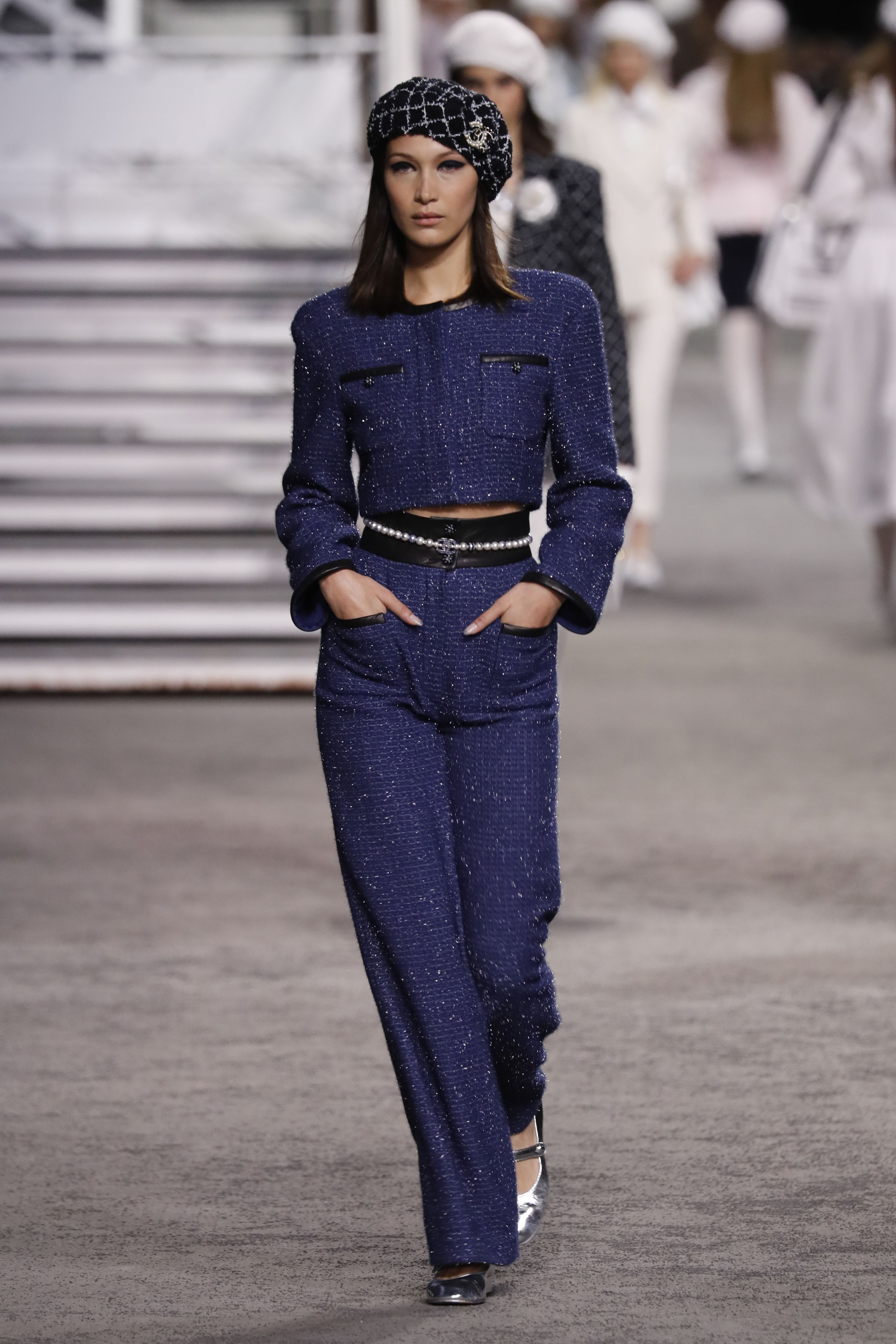 Bella Hadid, Chanel, desfile, paris, cruise, barco