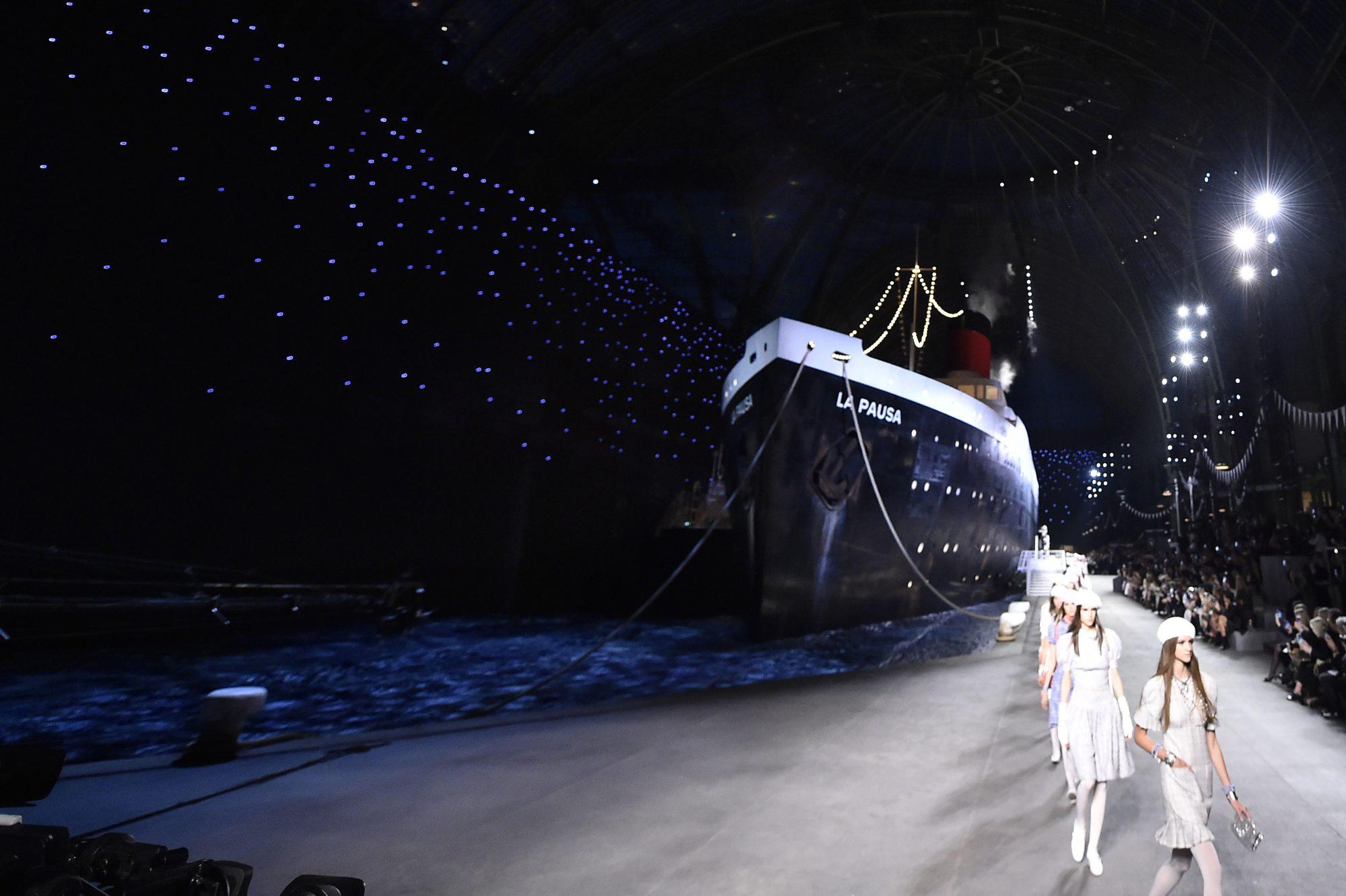 escenario, pasarela, Chanel, desfile, paris, cruise, barco