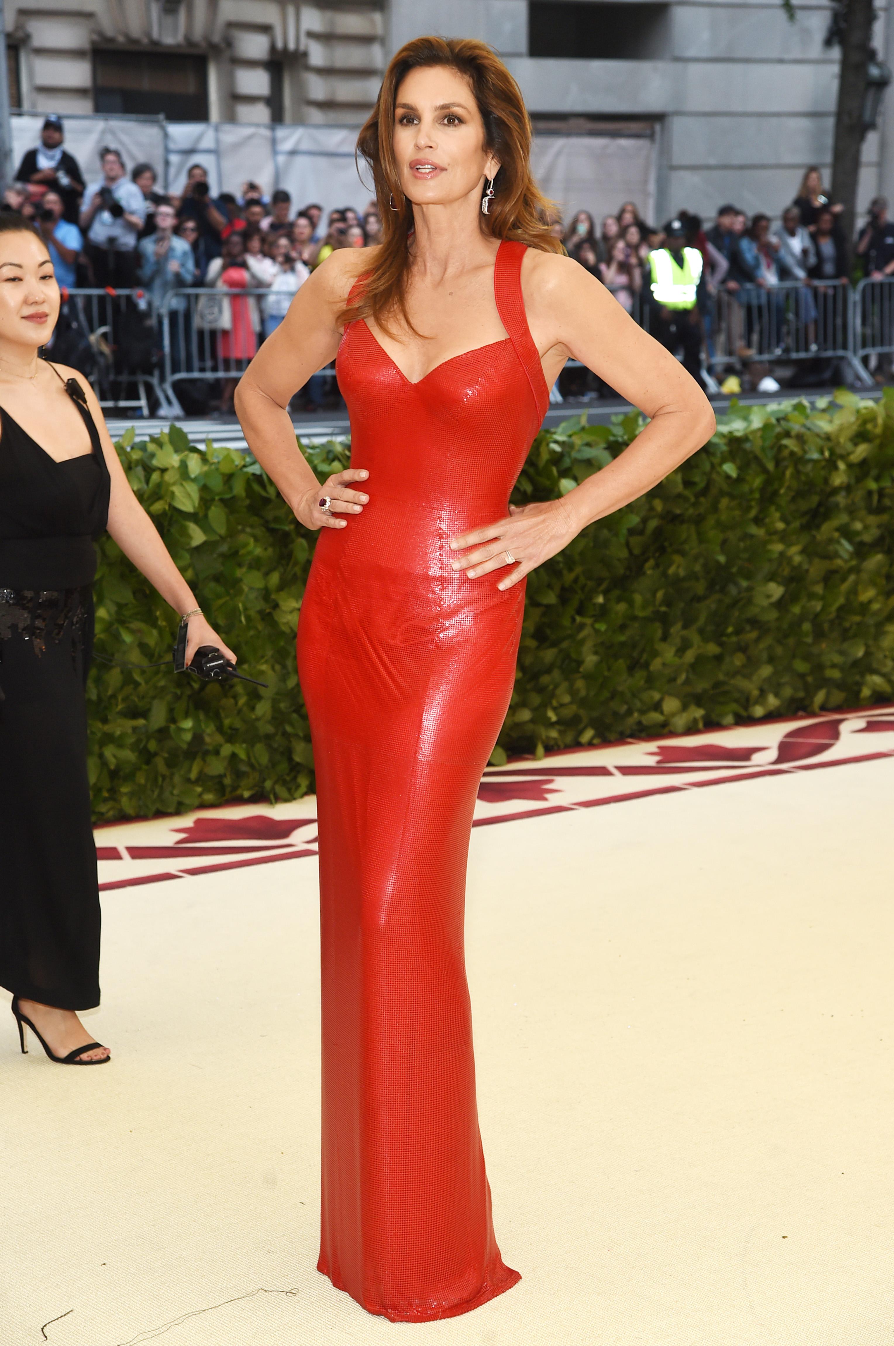 Met gala, famosas, alfombra roja, vestidos