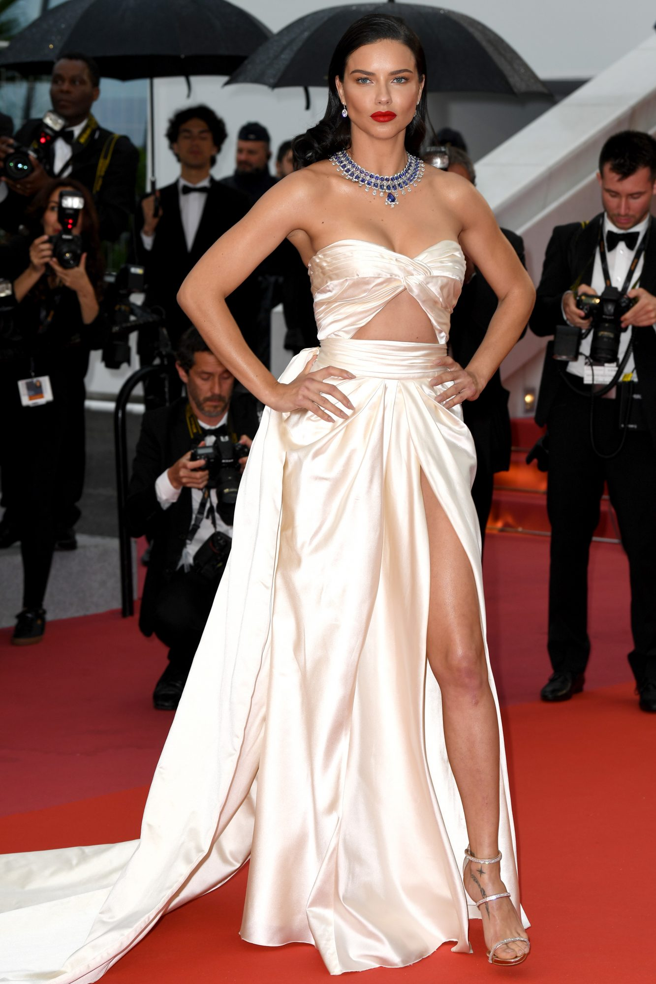 Adriana Lima, look, sexy, Cannes
