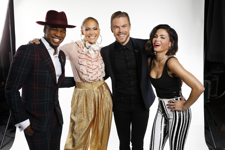 Ne-Yo (izq.), Jennifer López, Derek Hough yJenna Dewan