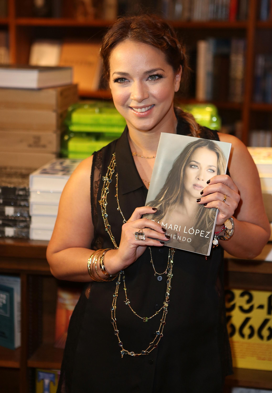Adamari Lopez Book Signing At Books and Books