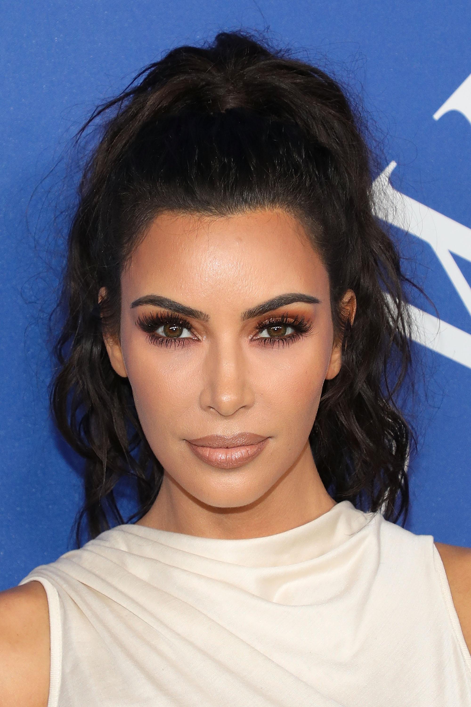 Kim Kardashian, CFDA, look, belleza, maquillaje
