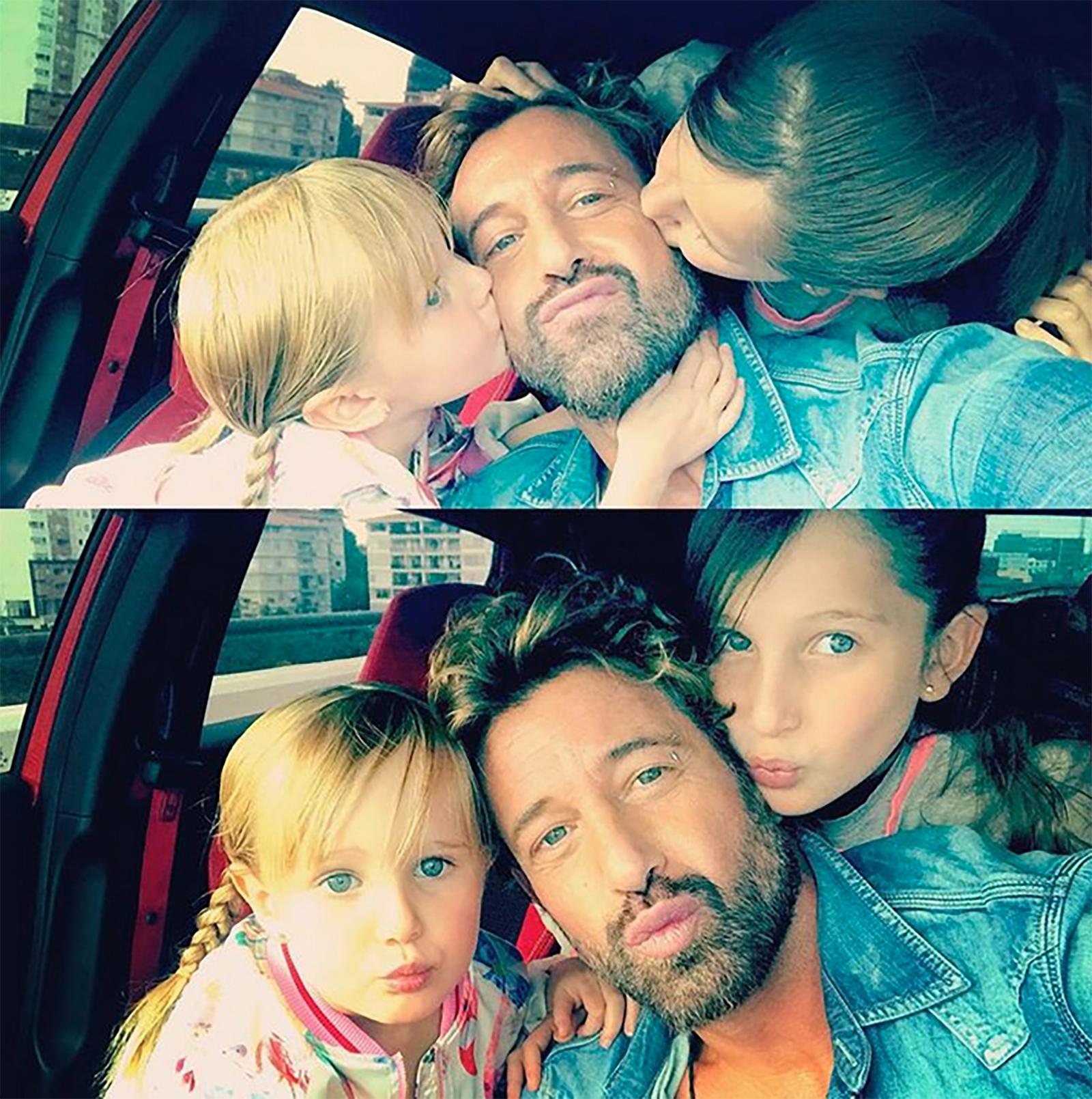 Gabriel Soto con sus hijas