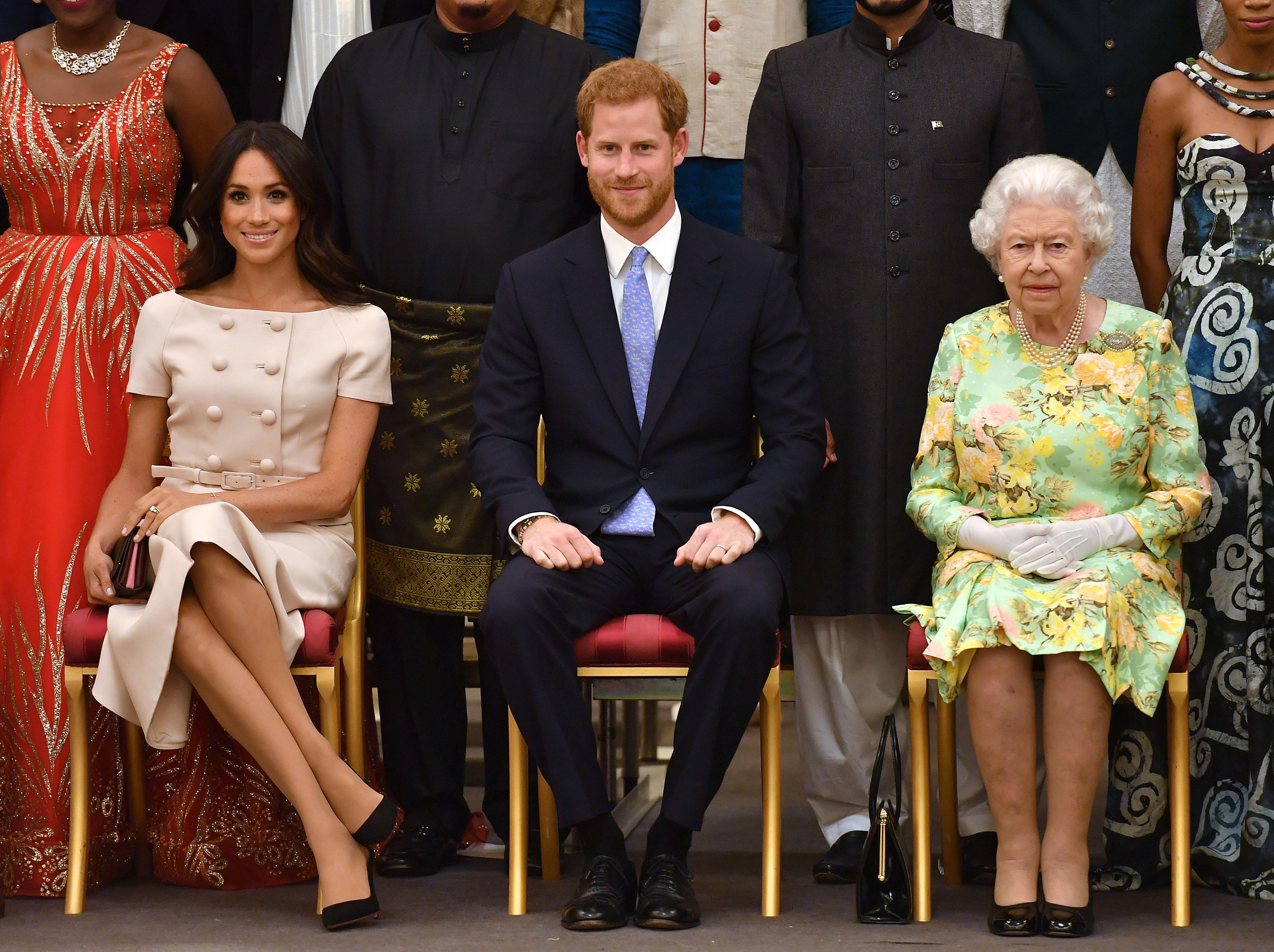 Meghan Markle y le reina Isabel II