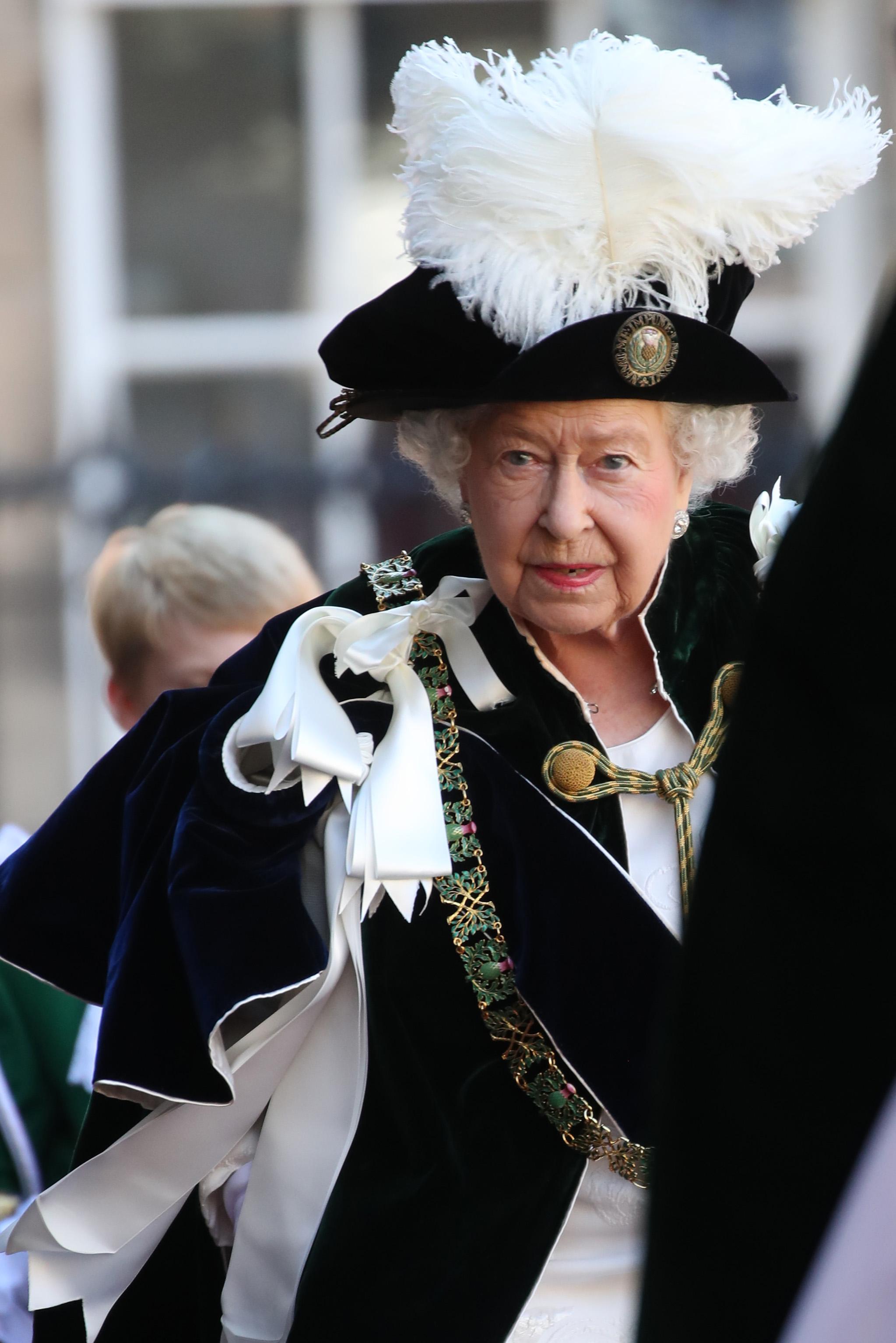Queen Elizabeth II reina Isabel II