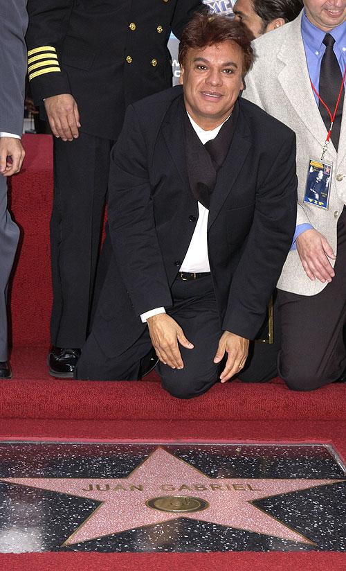Juan Gabriel, Estrella Hollywood