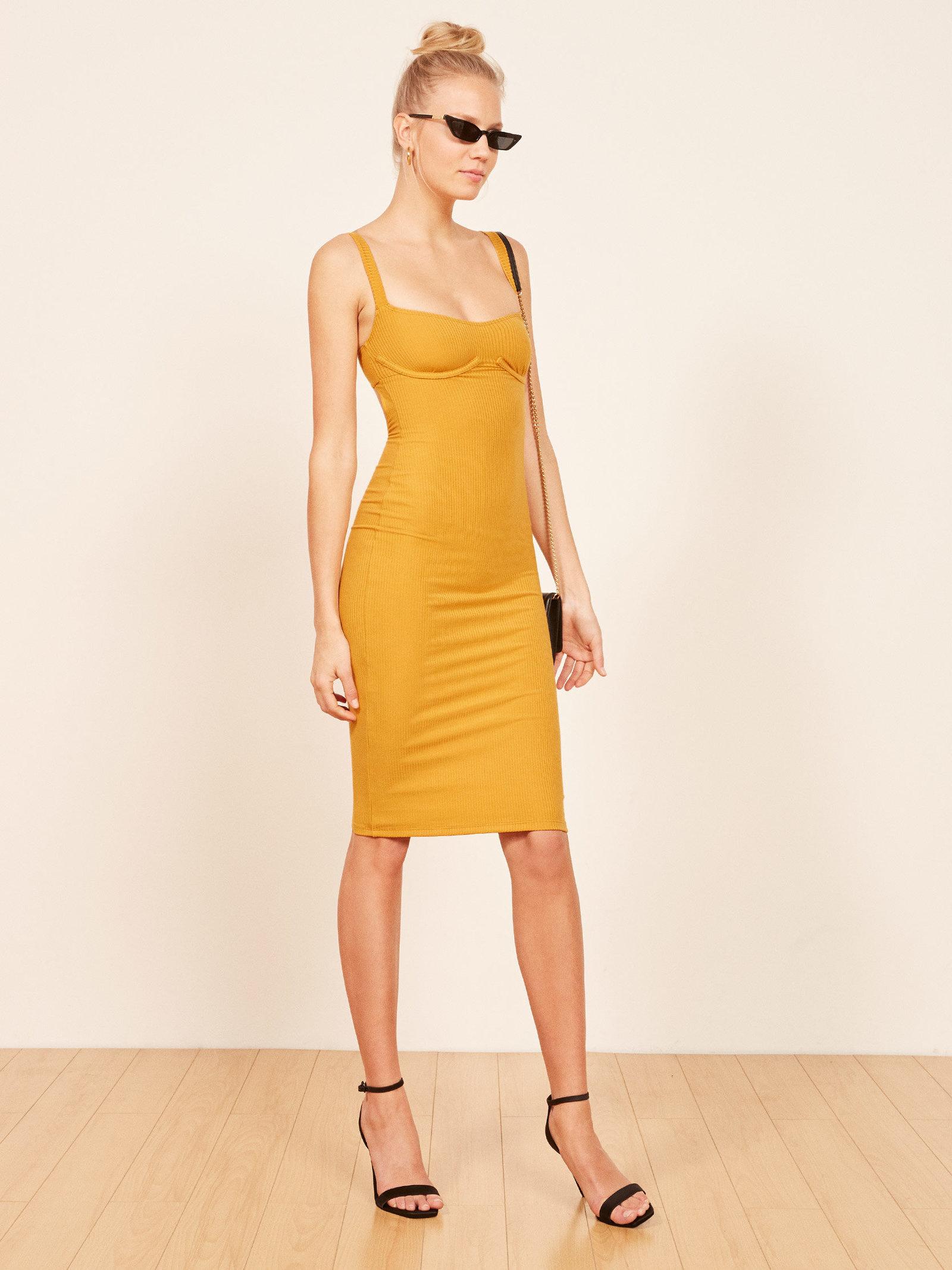 vestido, Kourtney Kardashian, famosas, estilo