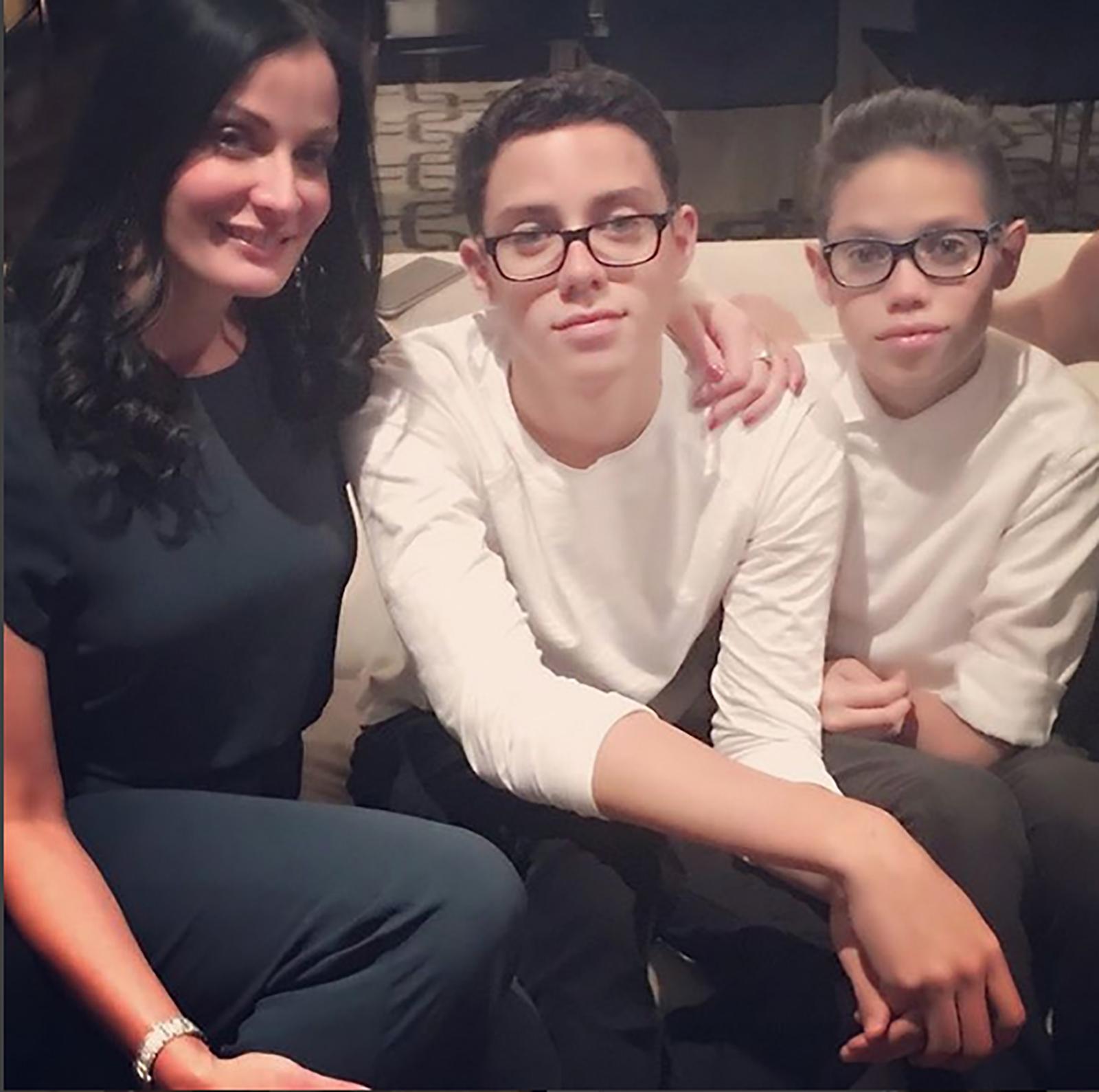 Dayanara Torres con hijos