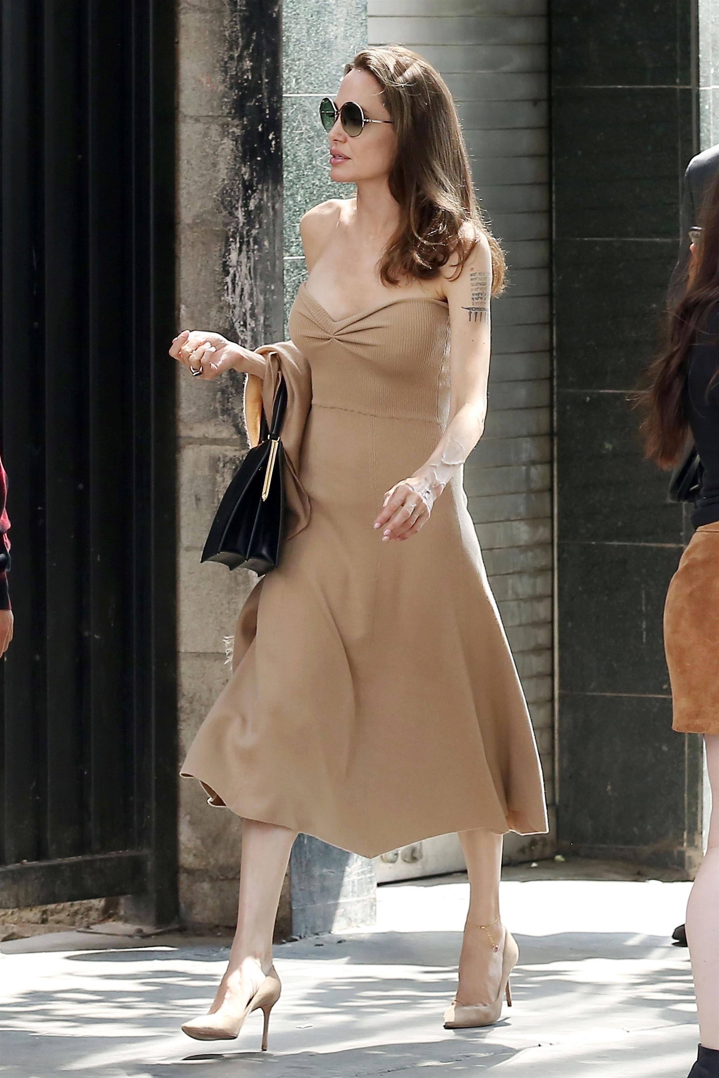 el look del día, estilo, famosa, ootd, vestido