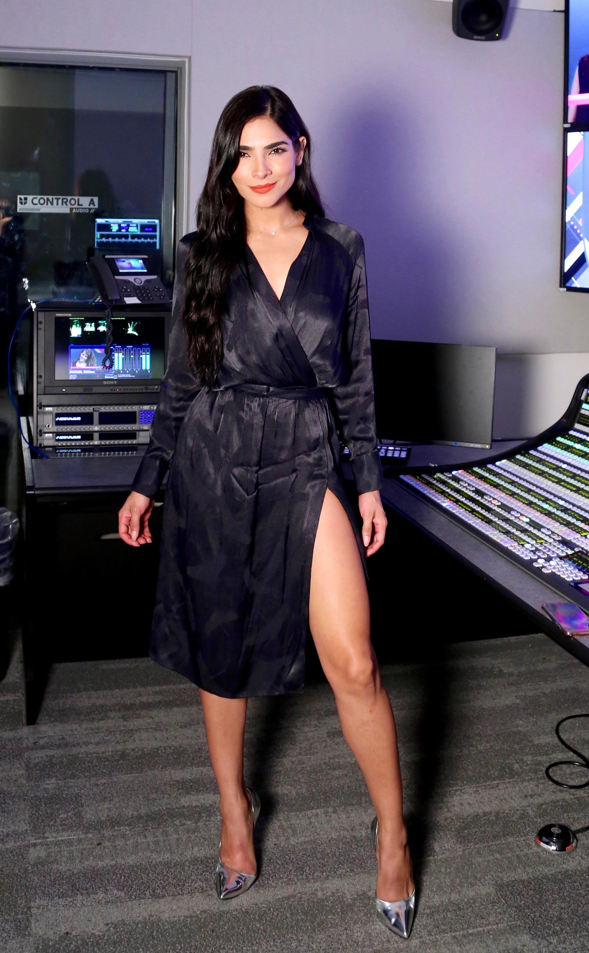 Alejandra Espinoza, looks,
