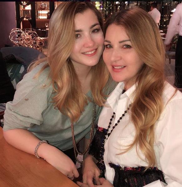Alicia Villarreal y su hija Melanie