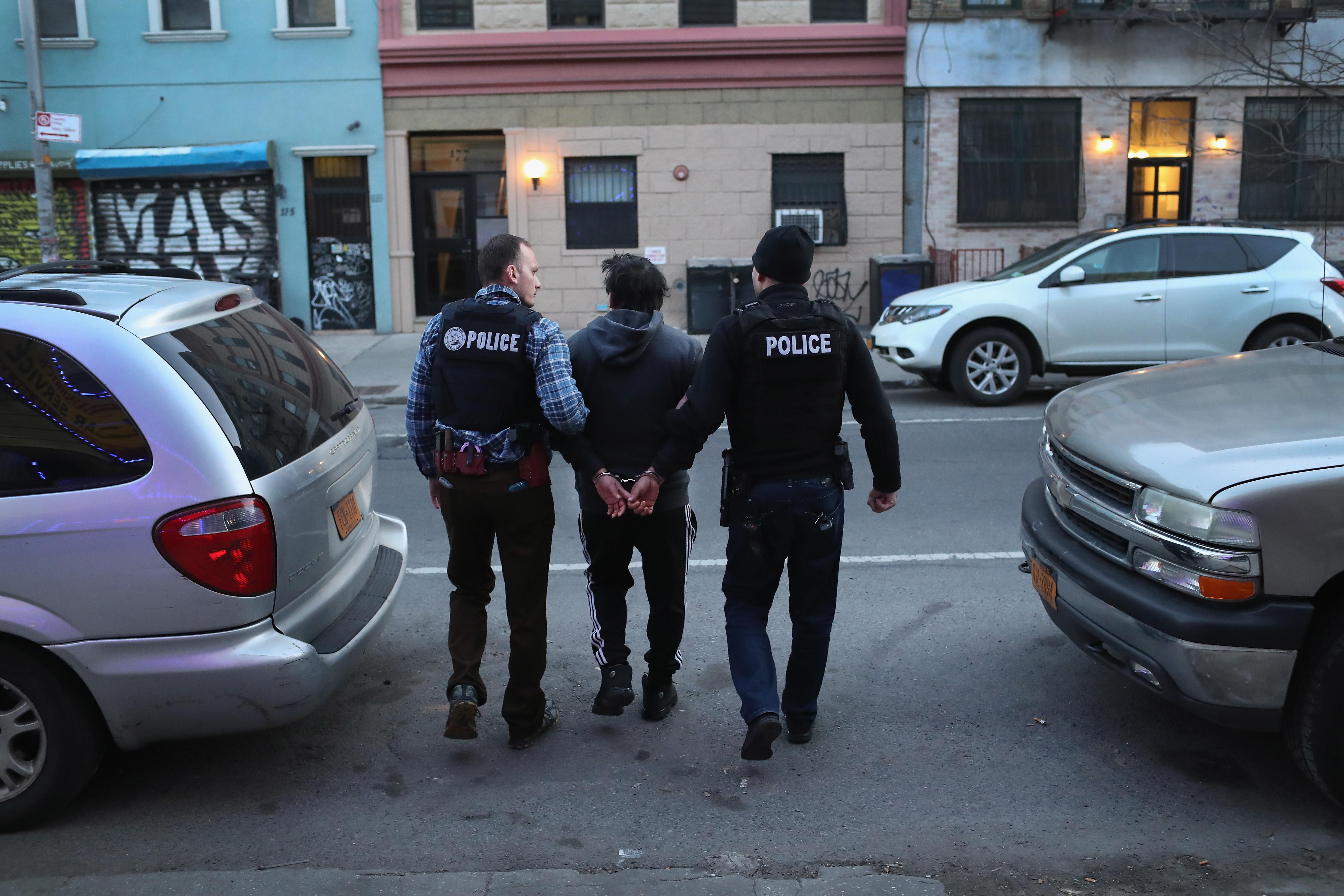 Arresto de un inmigrante sin documentos
