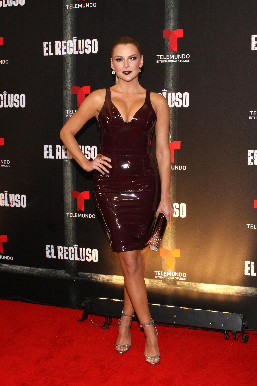 Marjorie de Sousa, looks