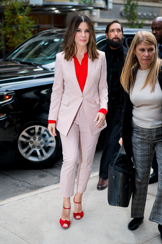 Sandra Bullock, looks