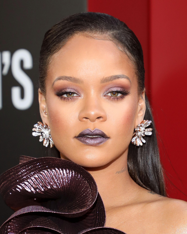 cejas, Rihanna, famosa, maquillaje,