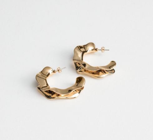 & Other Stories, Aretes