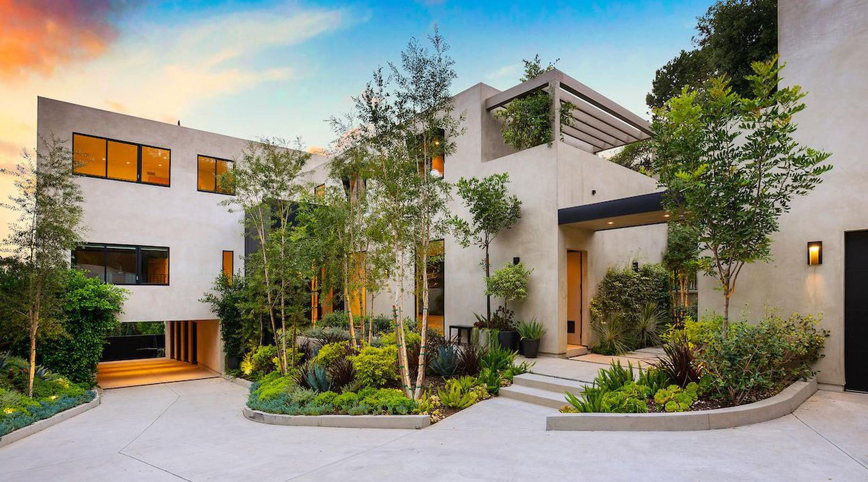 Kylie Jenner and Travis Scott mansion