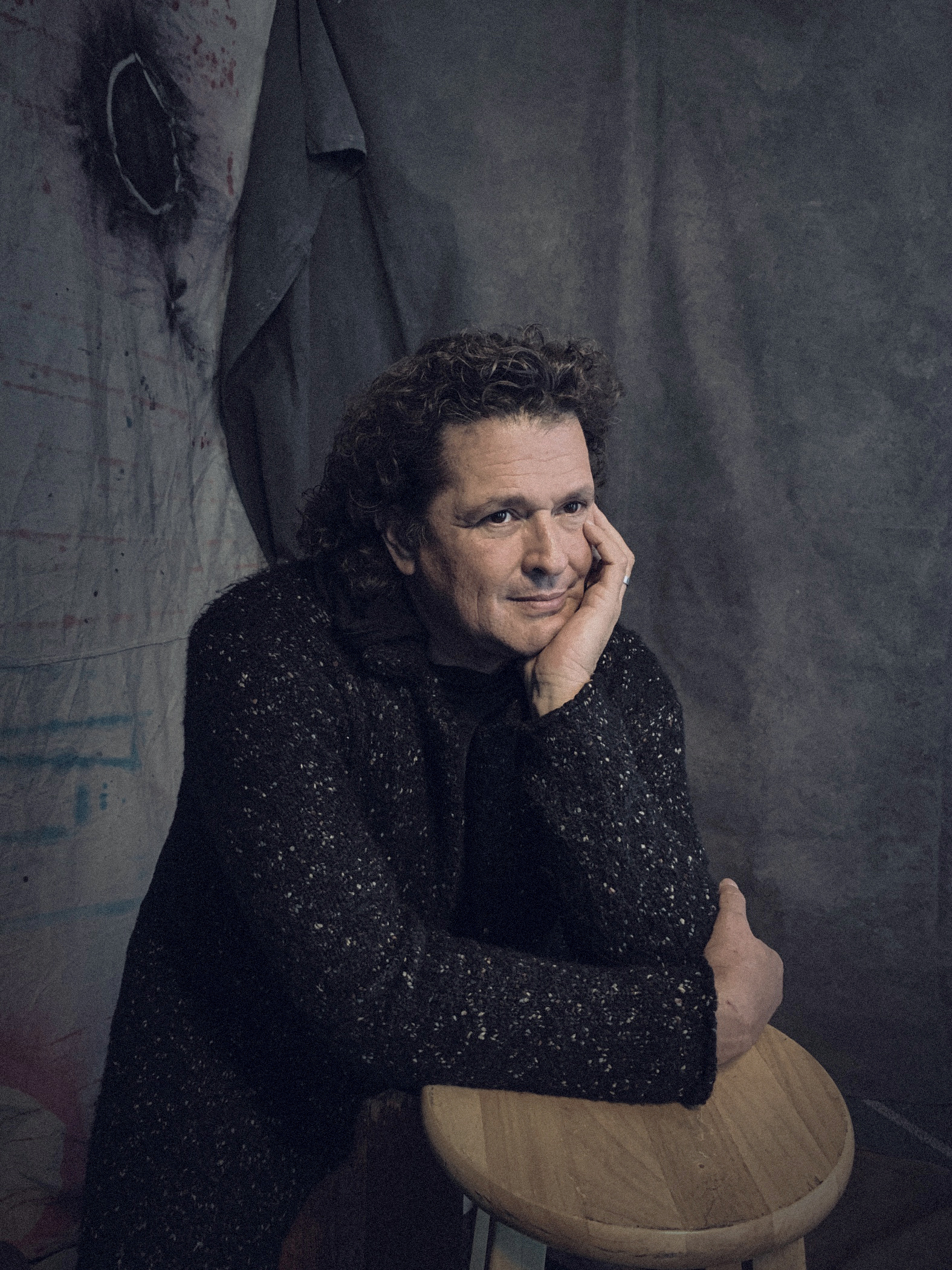 Carlos Vives Apple Suite at Latin Grammys 181113-2066 LOW RES by Omar Cruz