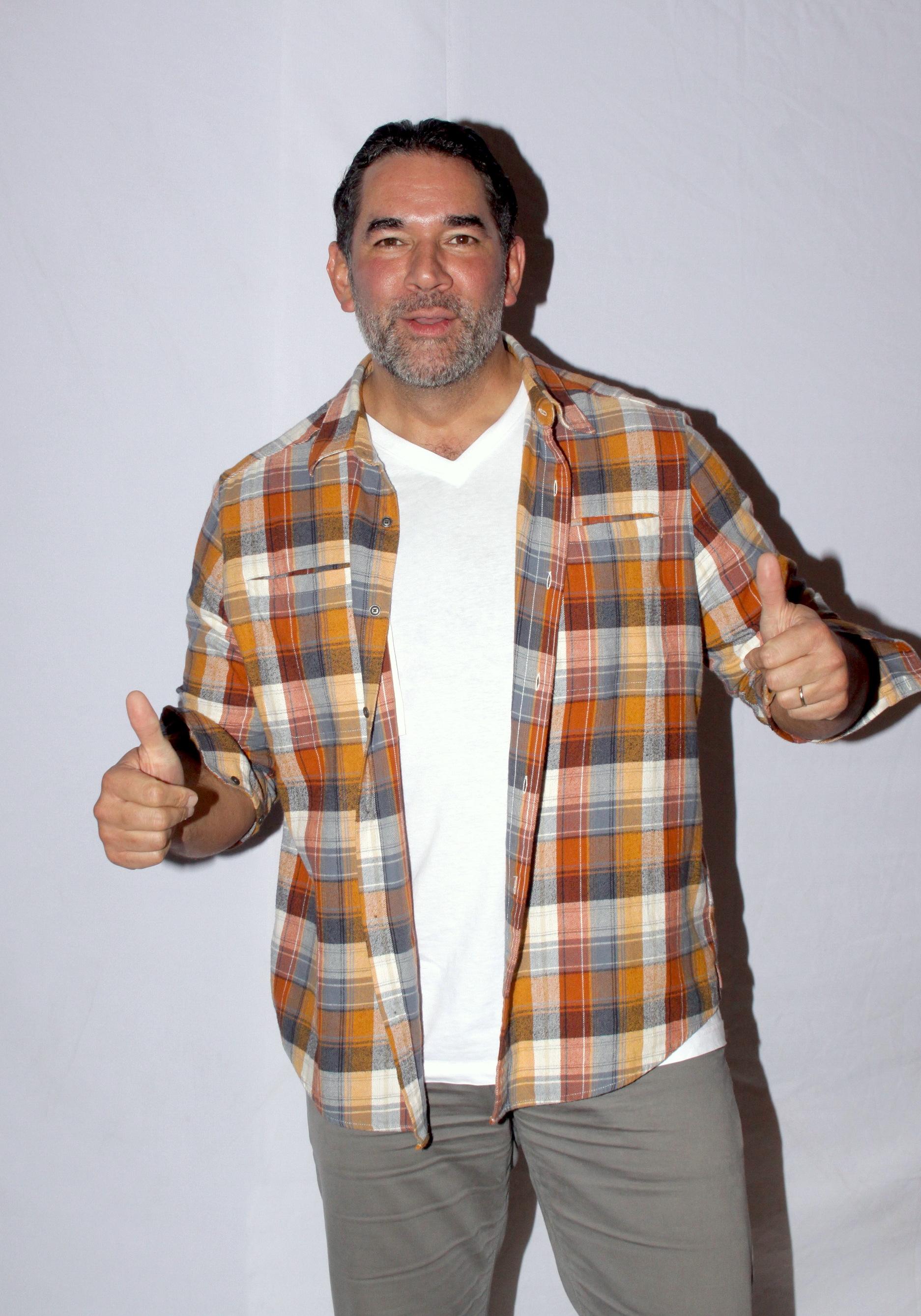 EduardoSantamarina002sintumiradaMisa