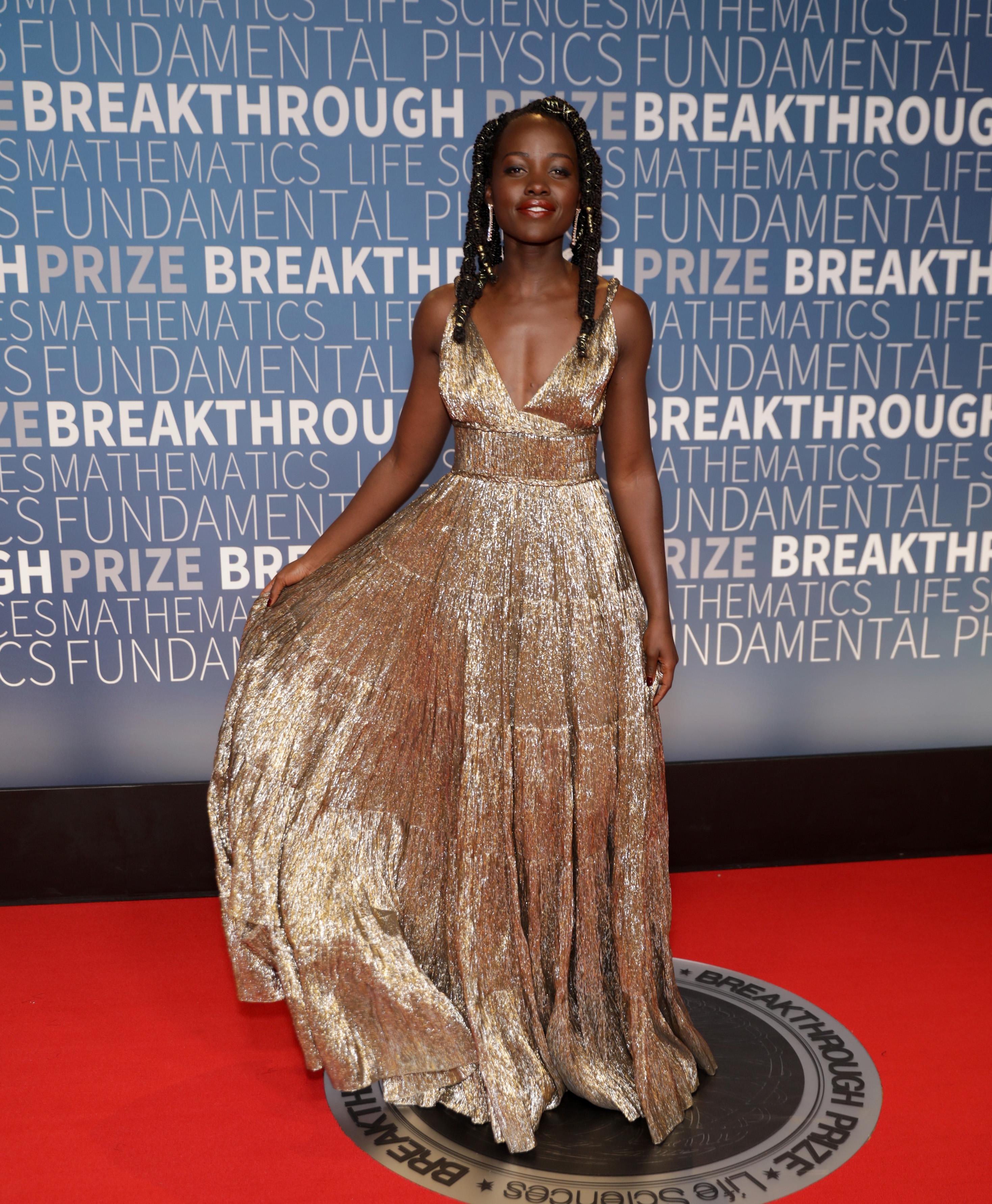 Lupita Nyong'o, looks