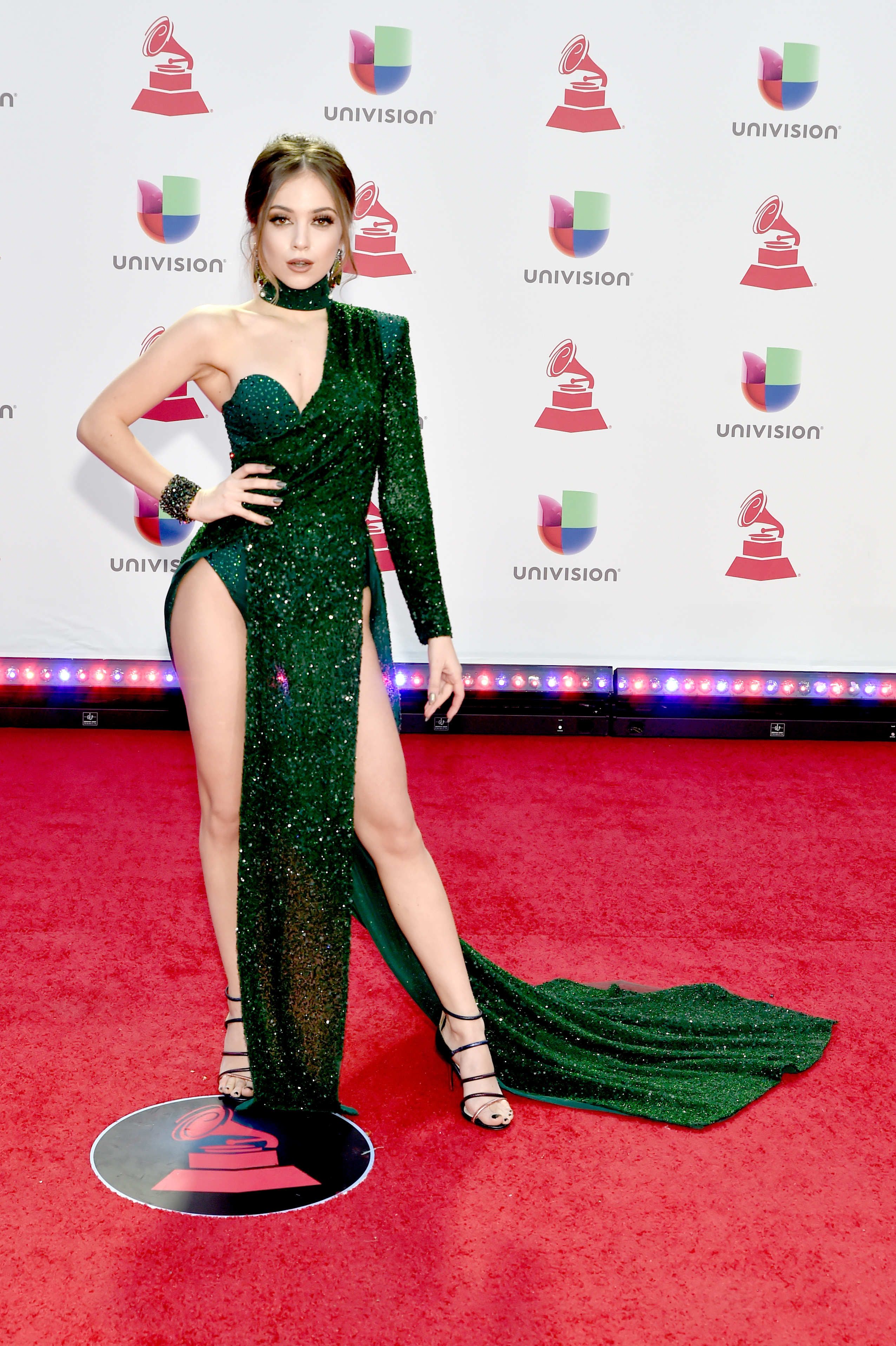 Ana Mena, look, latin Grammy