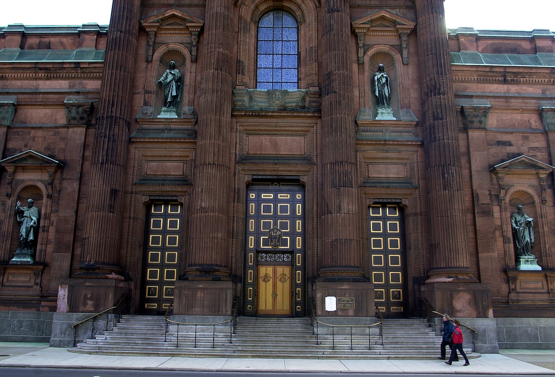 Basílica de San Pedro y San Pablo en Filadelfia