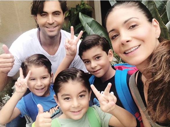 Patricia Manterola y familia