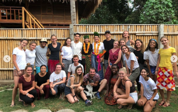 Carmen Aub/Instagram Carmen Aub/clases de inglés niños Bali/noviembre 2018