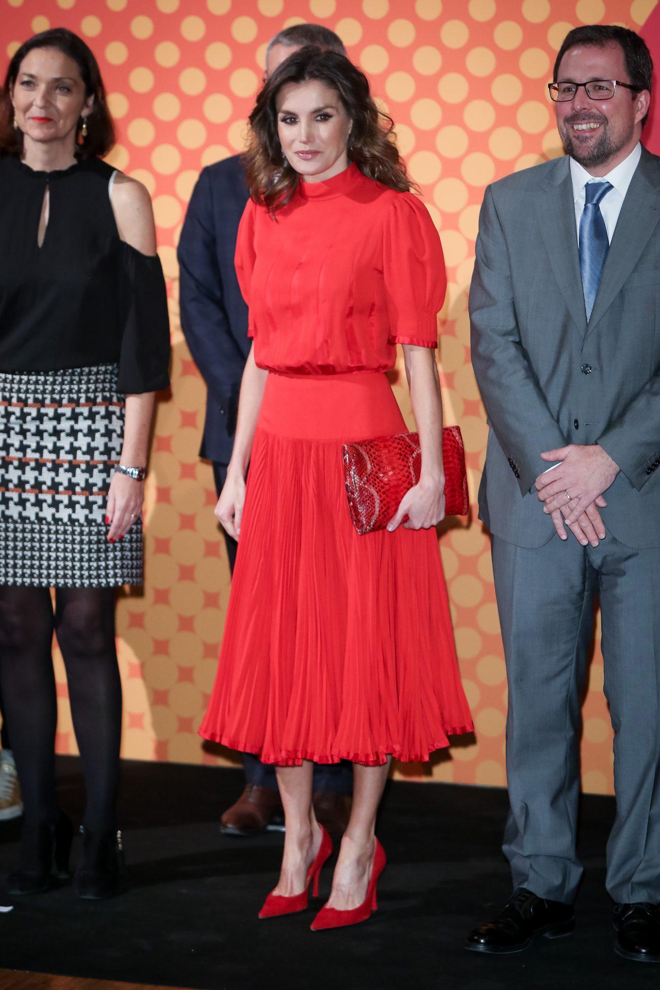 reina Letizia, realeza, Letizia, estilo, vestido rojo