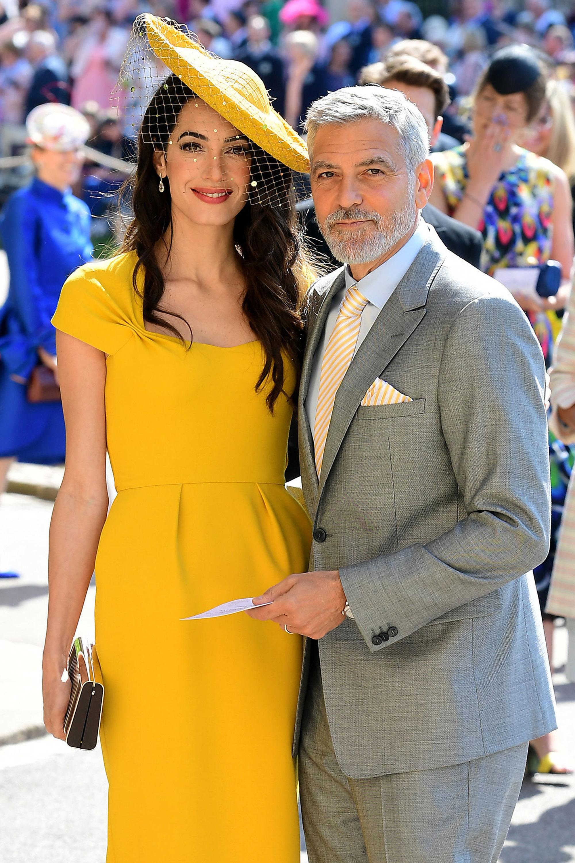Amal Clooney, boda real, vestido, amarillo