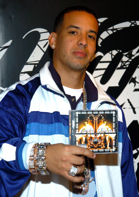 "Daddy Yankee Promotes His Album ""Barrio Fino en Directo"" at Tower Records in New York City - December 19, 2005"