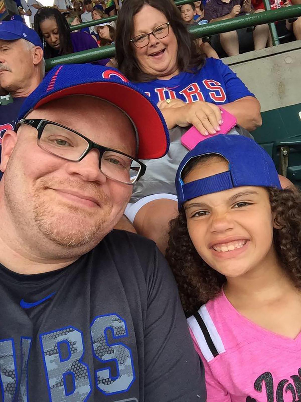 Derrick Sanders y su hija Addison