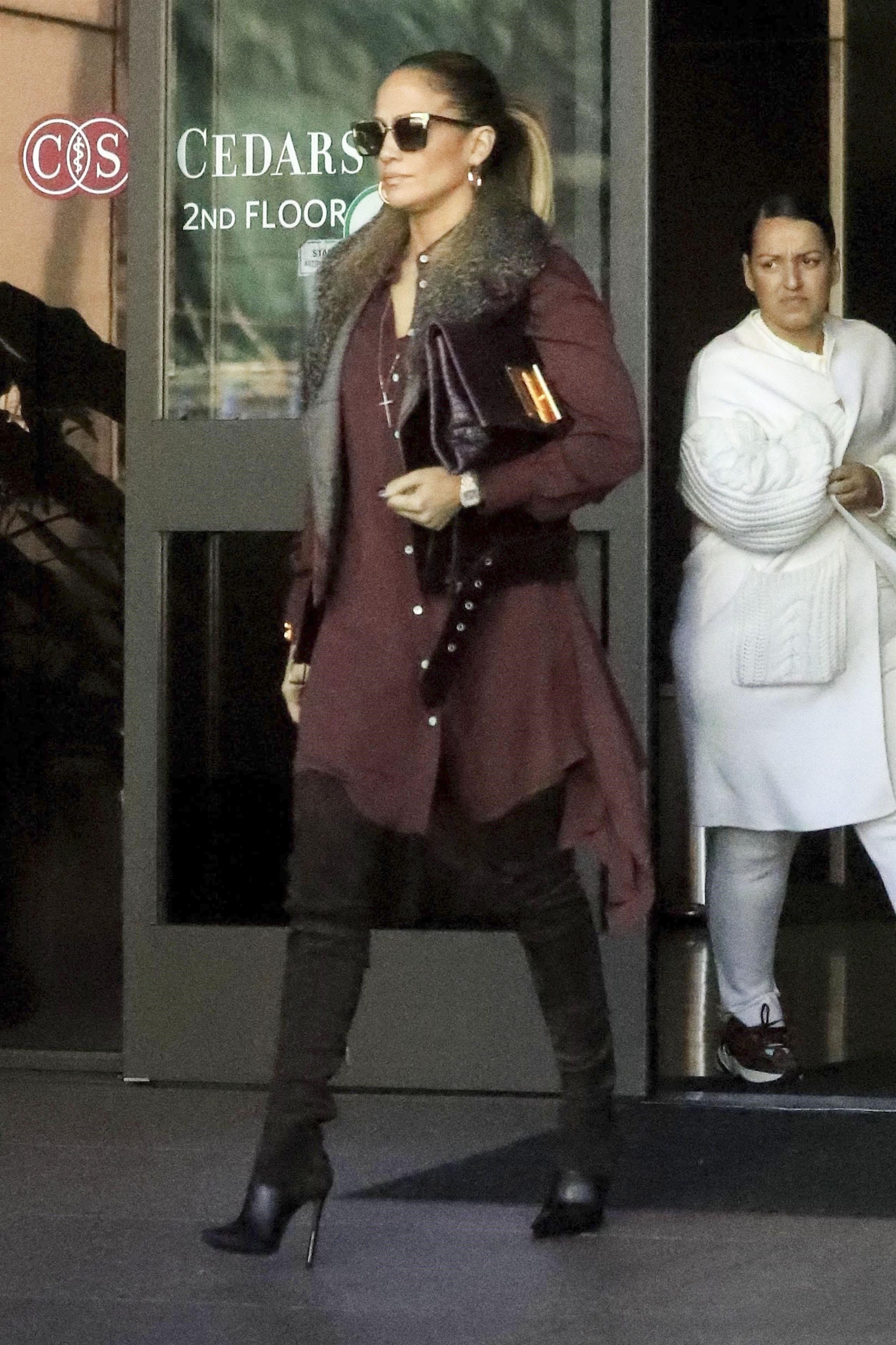 Jennifer Lopez, looks