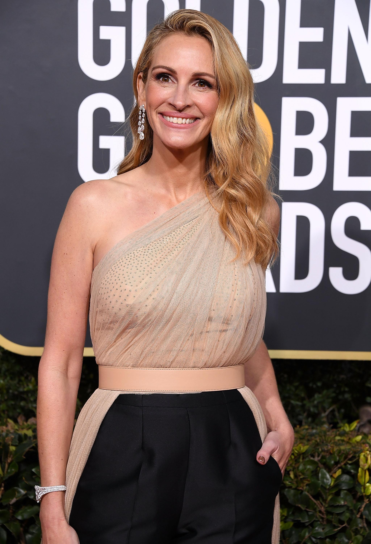 Julia Roberts, look, golden globes, pantalon
