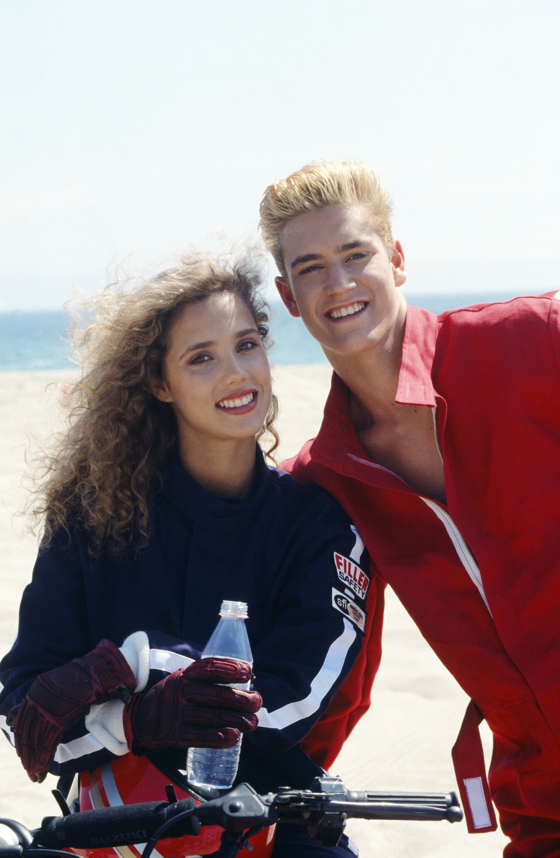 Elizabeth Berkley y Mark-Paul Gosselaar