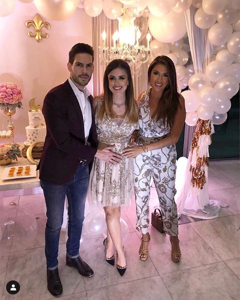 """screenshot_2019-01-15 maity interiano on instagram """"🎀 celebrando la pronta llegada de chloe 🎀 que nos ibamos imaginar mi [...]"""