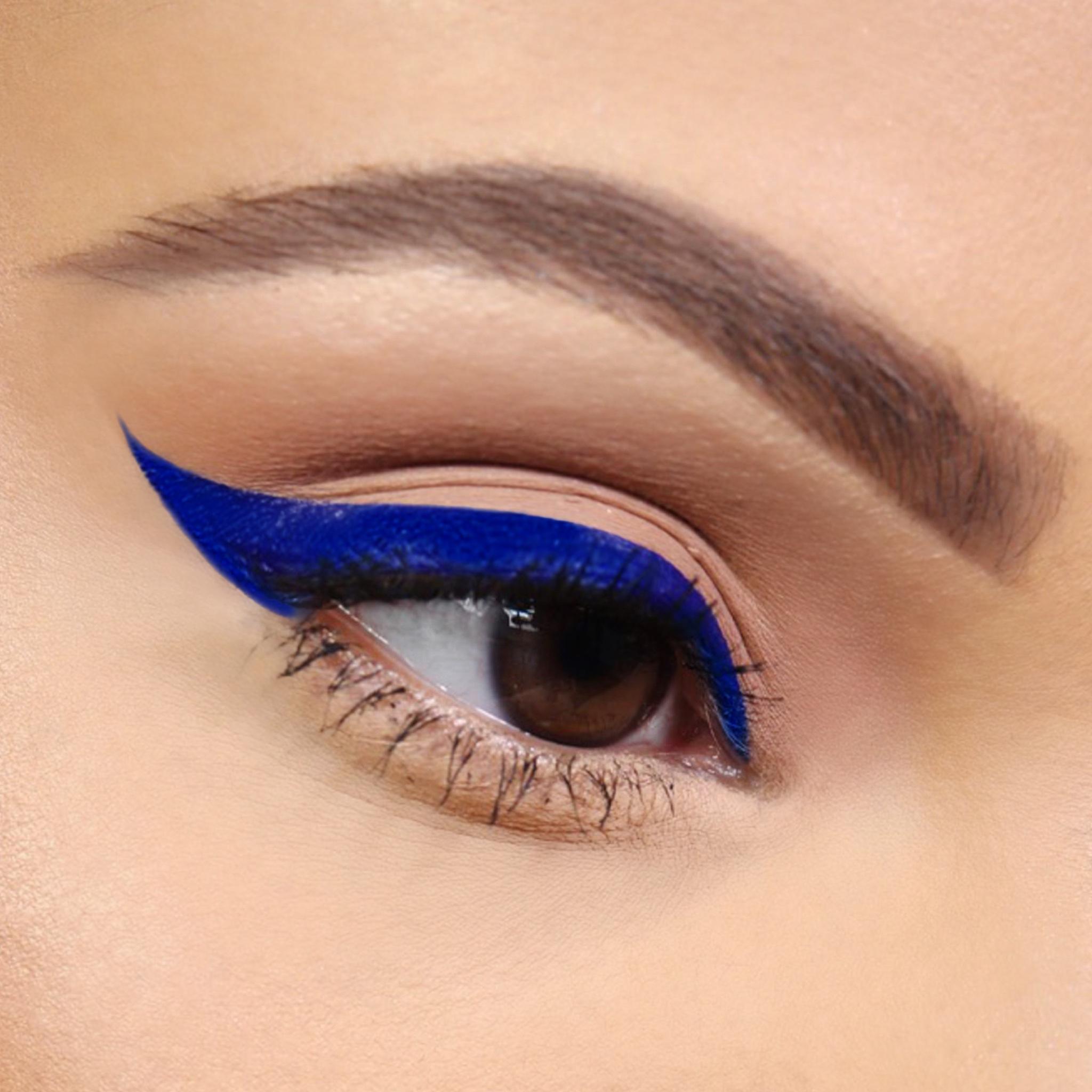 bonita-bandera_close-up-eye-shot.jpg