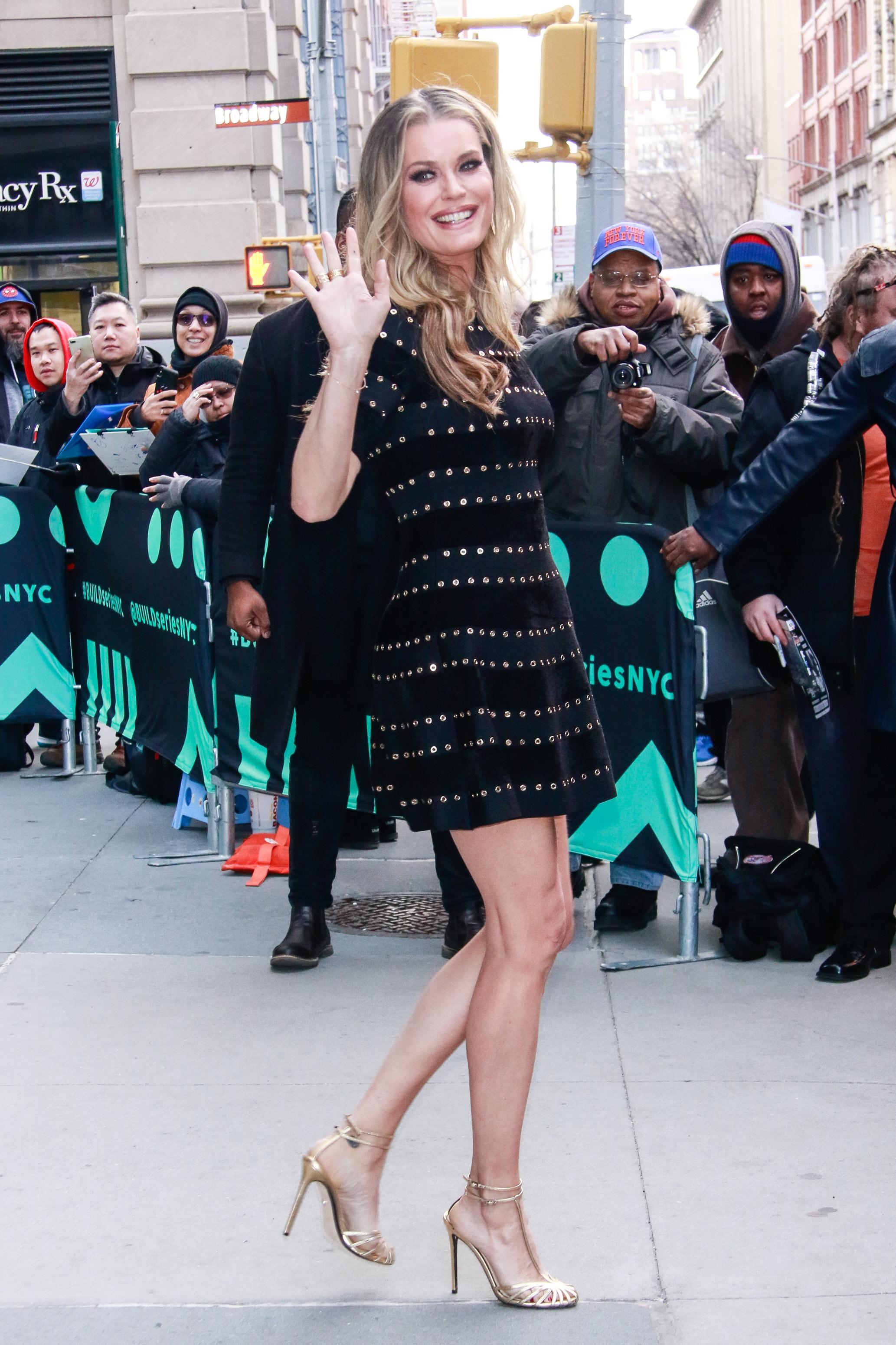 Rebecca Romijn, looks