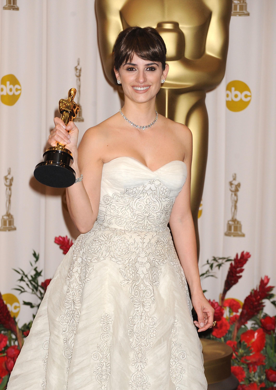 Penélope Cruz, Oscars, alfombra roja, estilo, vestido