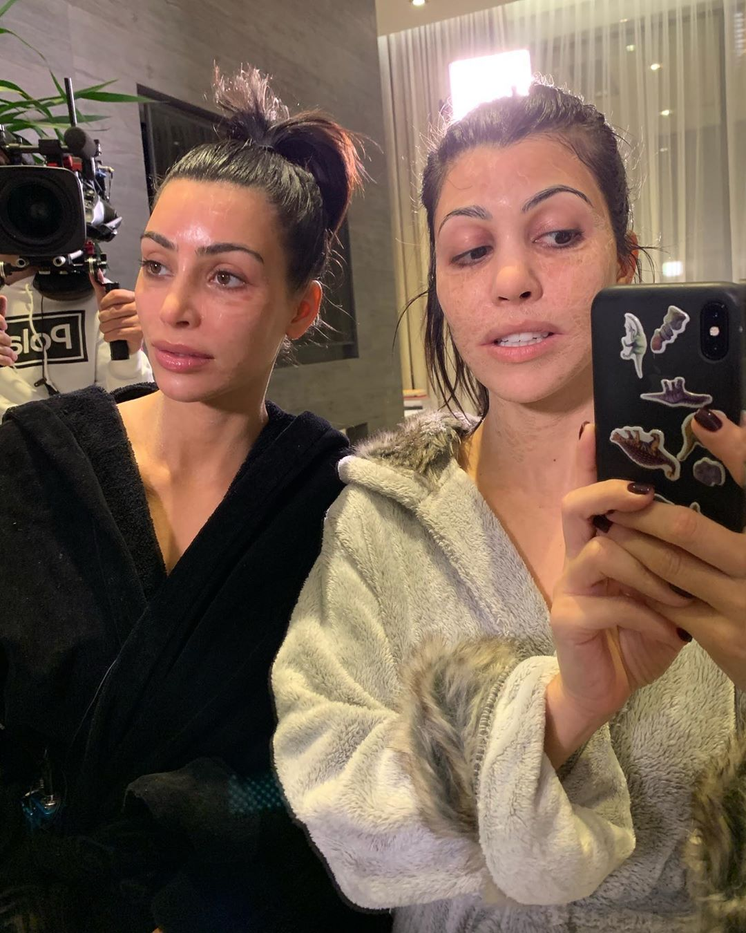 Kourtney Kardashian y Kim Kardashian West