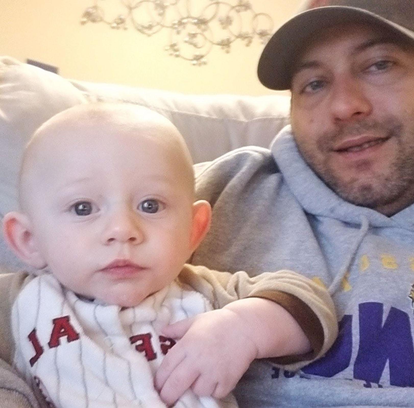 Nate Liedl con su hijo Jason
