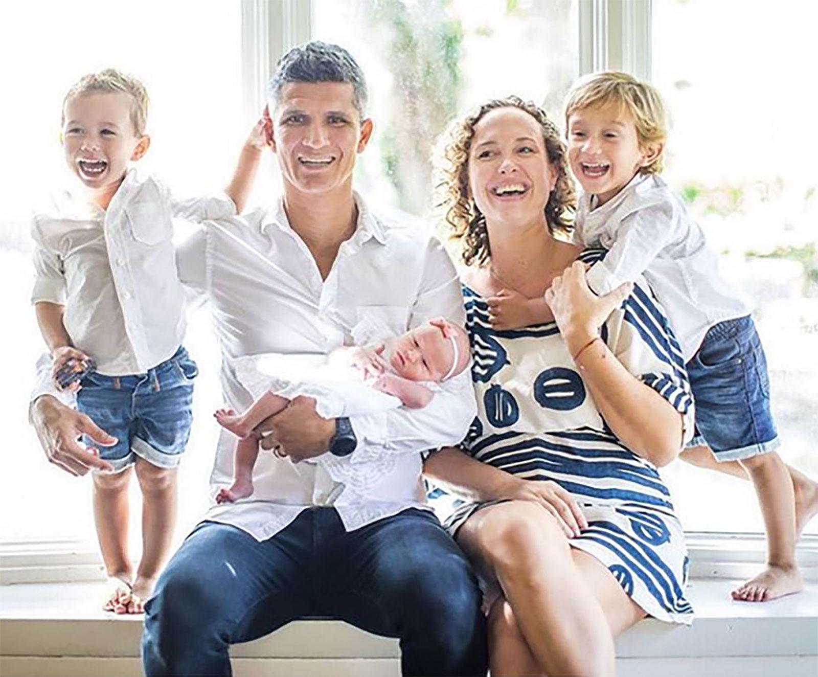Río Lastra y su familia