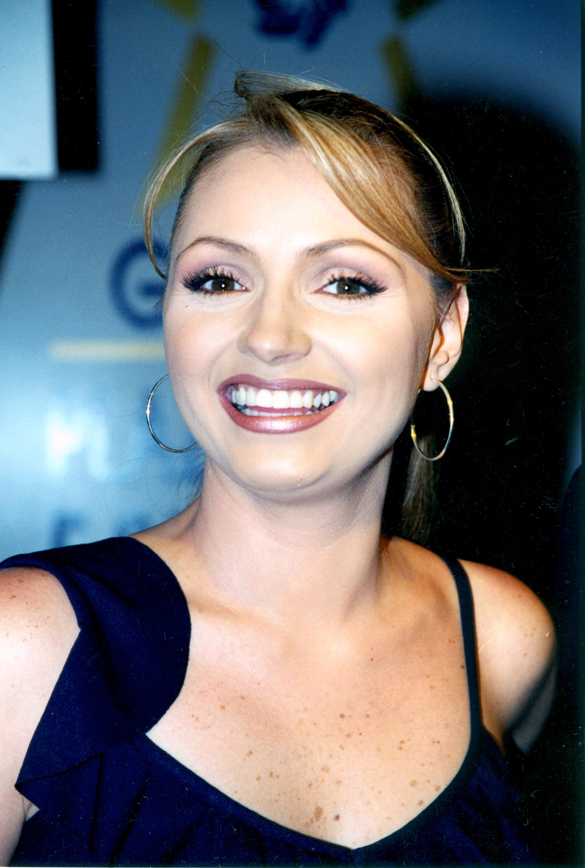 2003 presentacion de la telenovela mariana de la noche